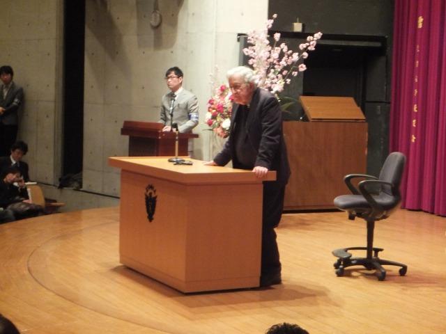 「言語学の世界的権威」ノーム・チョムスキー教授講演会 ~第1回「言語の構成原理再考」   IWJ