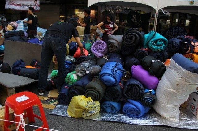 ▲回収された支援物資の寝袋