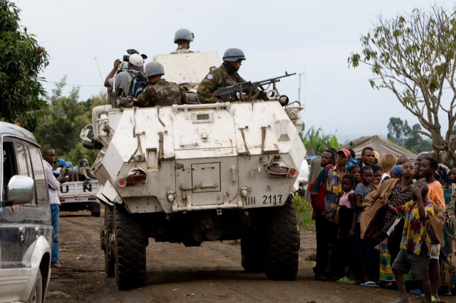 ▲コンゴ東部におけるPKO軍のパトロール車:写真提供:千葉康由