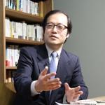 150130_eyecatch_岩上安身による訳者・郭洋春立教大学経済学部教授インタビュー