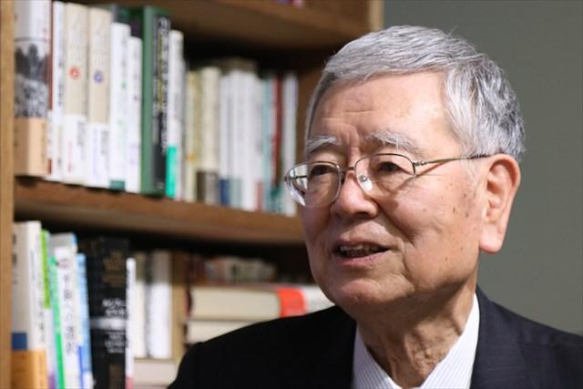 ▲岩上安身のインタビューに応える元最高裁判事・濱田邦夫弁護士
