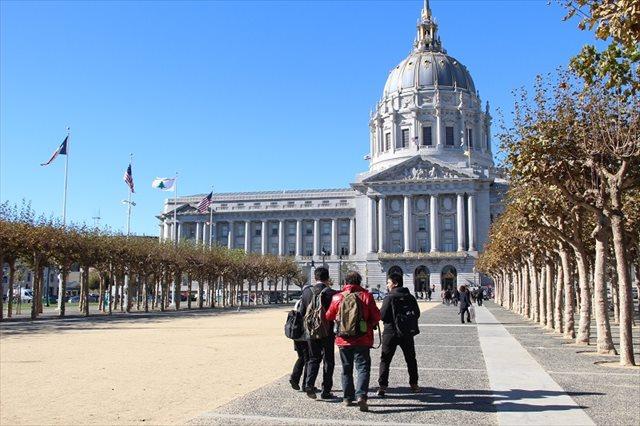 ▲現地時間11月16日 サンフランシスコ市議との面会に向かう「島ぐるみ会議」メンバー