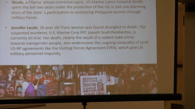 ▲フィリピン系アメリカ人のジョー・キワンバーワ氏は、パワーポイントを用いながらフィリピンの現状を説明した。写真は、女性と性的マイノリティへの性被害と抗議運動について。=写真10=