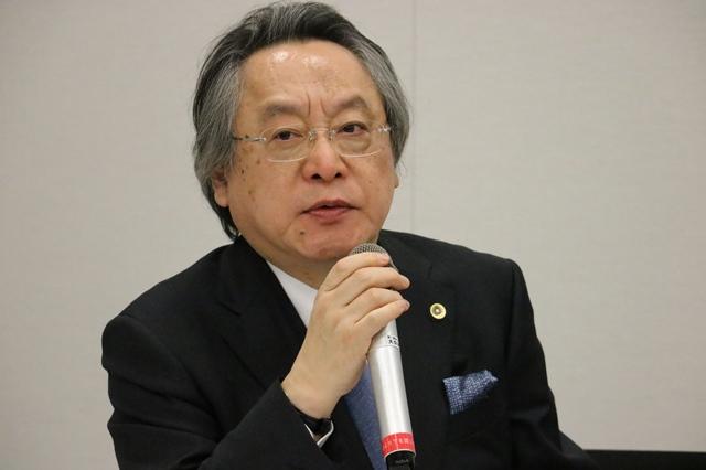 ▲事務局幹事を務める小林節・慶応大教授