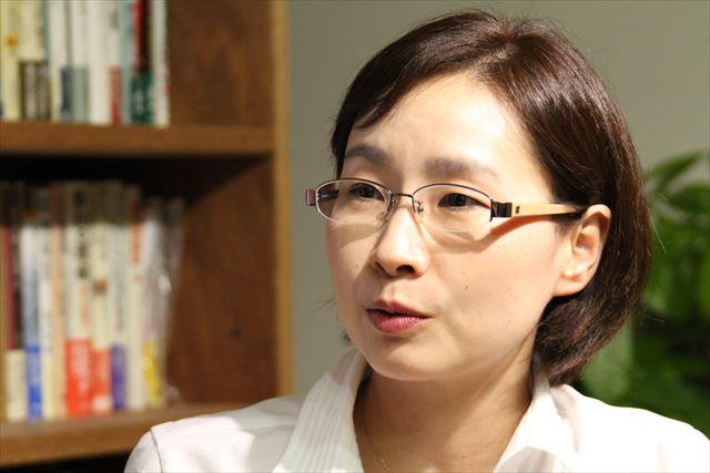 ▲2015年7月8日、岩上安身のインタビューに答える青井未帆氏