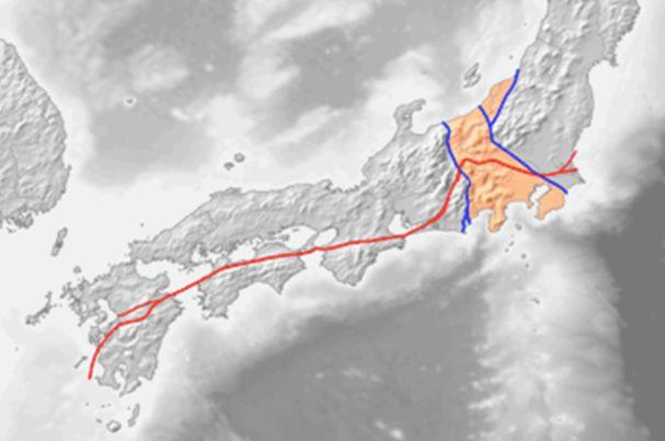 ▲中央構造線(赤線)