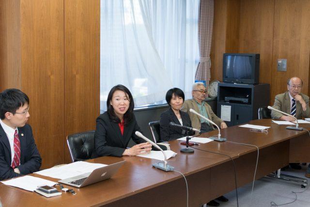 ▲弁護士会館で行われた記者会見