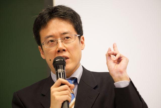 ▲「これを『身分制』と言わずして、なんと言うのか!」大学の労使関係の実態について語る白井聡氏