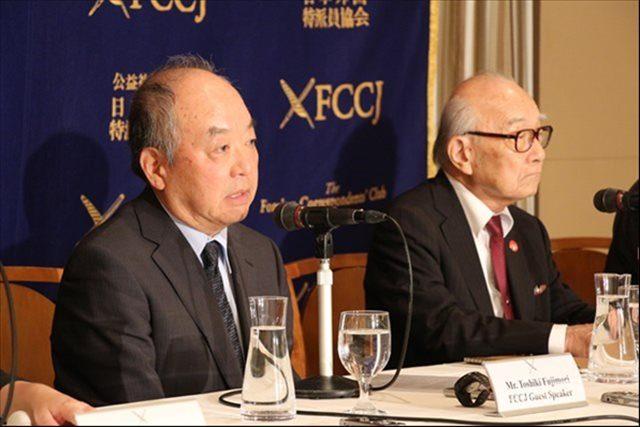 ▲日本原水爆被害者団体協議会・田中煕巳事務局長(右)と藤森俊希事務局次長(左)