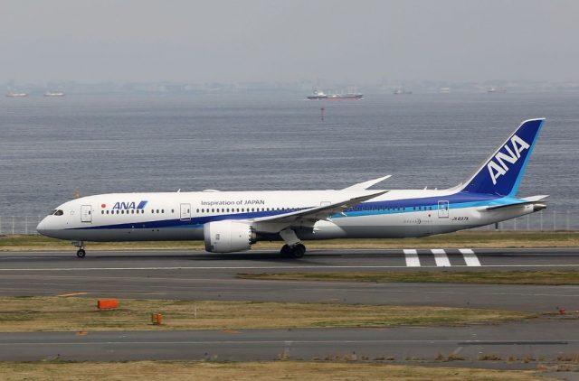 ▲羽田空港を離着陸する全日空の飛行機(Wikimedia Commons)