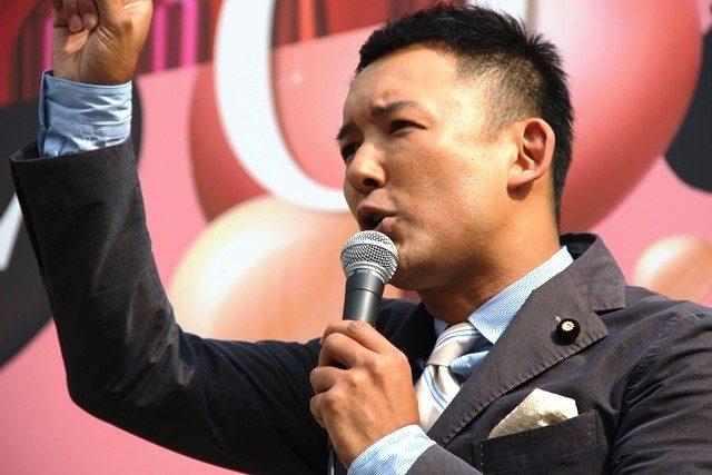 ▲「彼しかいない」三宅洋平氏を擁立した生活の党・山本太郎参議院議員