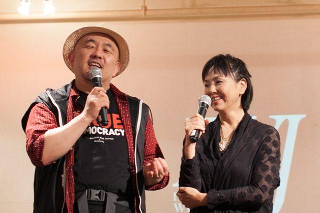 ▲岩上安身と女優の松田美由紀氏