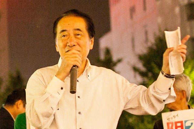 ▲小川敏夫候補の応援演説に駆けつけた菅直人・元内閣総理大臣(三鷹駅前)