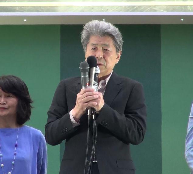 ▲街頭演説を行う鳥越俊太郎氏