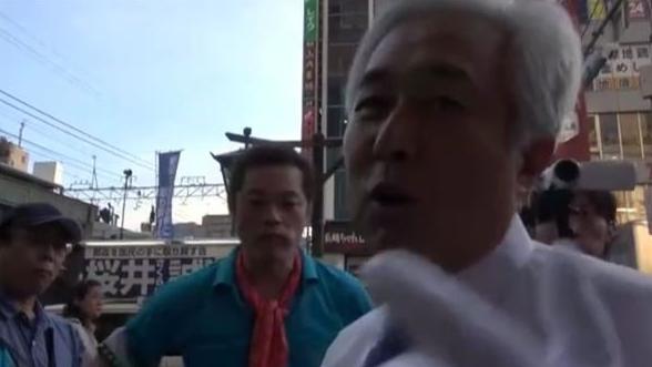 ▲IWJの取材を妨害する瀬戸弘幸氏