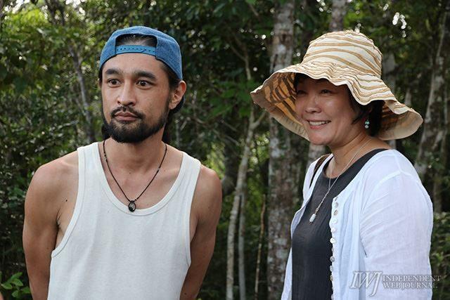 ▲(右から)安倍昭恵夫人と三宅洋平氏