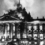 ▲炎上するドイツ国会議事堂(出典:WikimediaCommons)