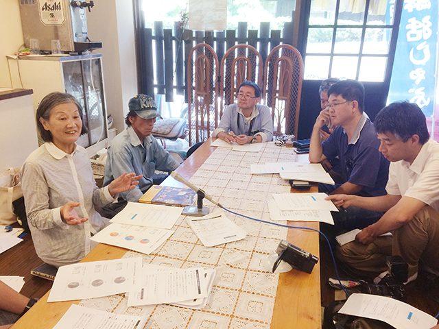 ▲ 八幡浜の記者クラブメディアを中心に記者会見が行われた