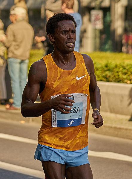 ▲フェイサ・リレサ選手。2015年ベルリンマラソン出場時の写真(写真はウィキメディアコモンズより転載)。