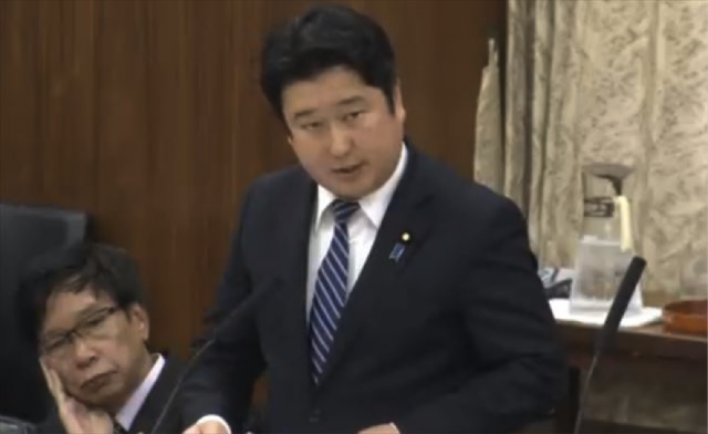 ▲国会で質問する和田政宗議員