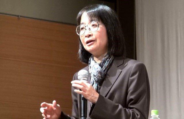 ▲講演する千葉大・栗田禎子教授