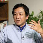 ▲岩上安身のインタビューに応える国際情勢解説者の田中宇氏