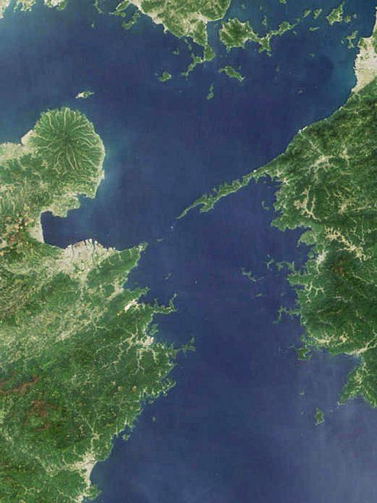 ▲人工衛星から撮影した佐田岬半島とその周辺