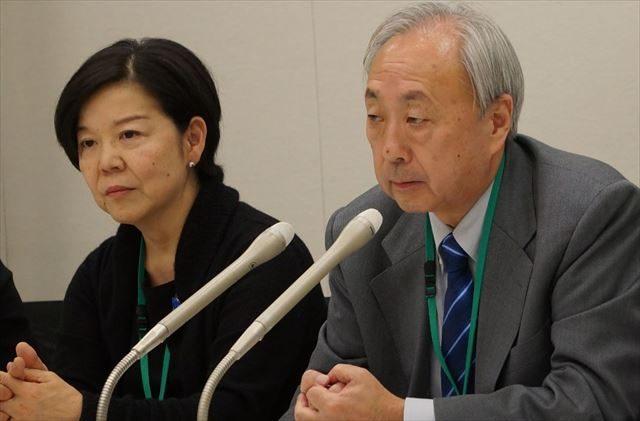 ▲新里宏二弁護士(右側)