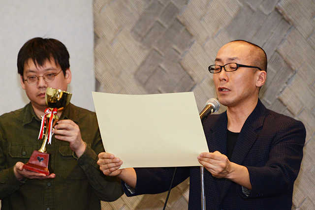 ▲ブラック企業大賞実行委員 ルポライター 古川琢也氏(左)、 映画監督 土屋トカチ氏
