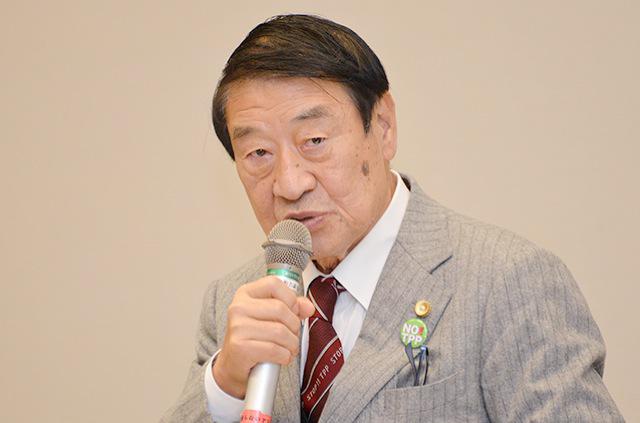 ▲TPP訴訟の第7回口頭弁論の様子を報告する山田正彦元農水相