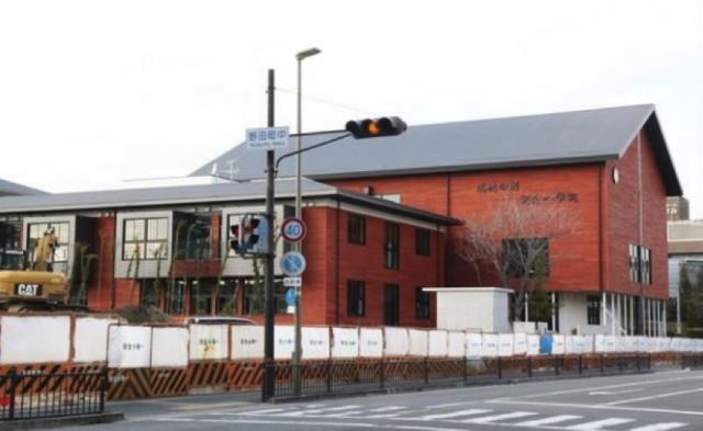 ▲建設中の「瑞穂の國記念小學院」——大阪府豊中市