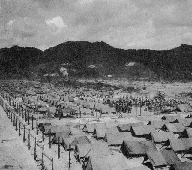 ▲沖縄の日本人収容所(ウィキペディアより)
