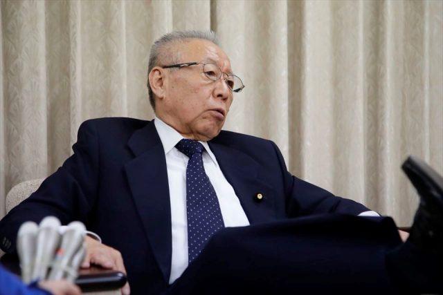 ▲鴻池祥肇元防災担当相(3月1日の記者会見で)